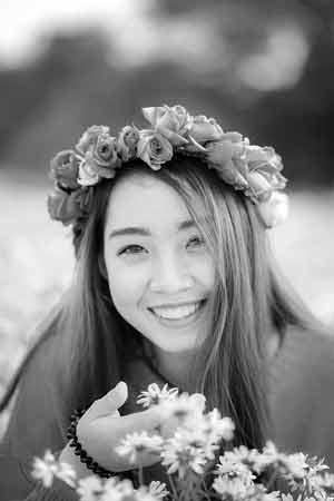 Chinese Brides - Meet single Chinese women from Hong Kong, Shenzhen, Shenyang and Chongqing.